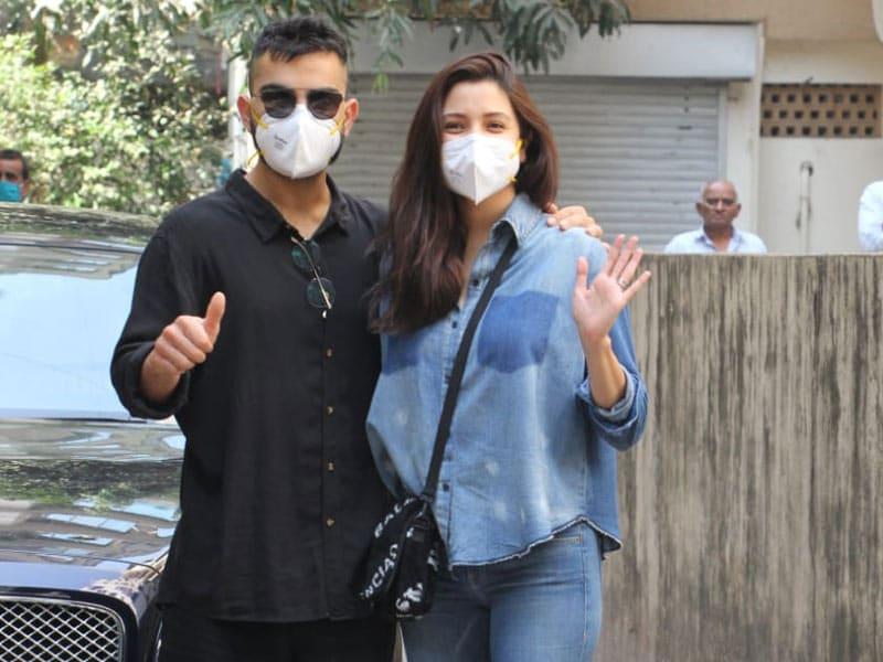 Photo : मुंबई: बेटी के जन्म के बाद पहली बार एक साथ नजर आए विराट और अनुष्का