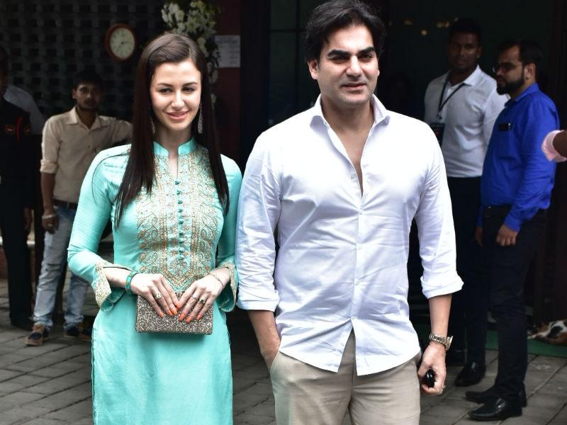 Photo : अर्पिता के गणपति विसर्जन में अपनी गर्लफ्रेंड जियोर्जिया के साथ पहुंचे अरबाज!
