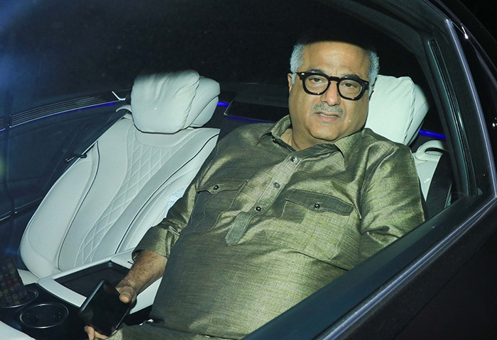Karisma, Tara And Shweta Bachchan Nanda Lit Up Armaan Jain\'s Pre-Wedding Festivities