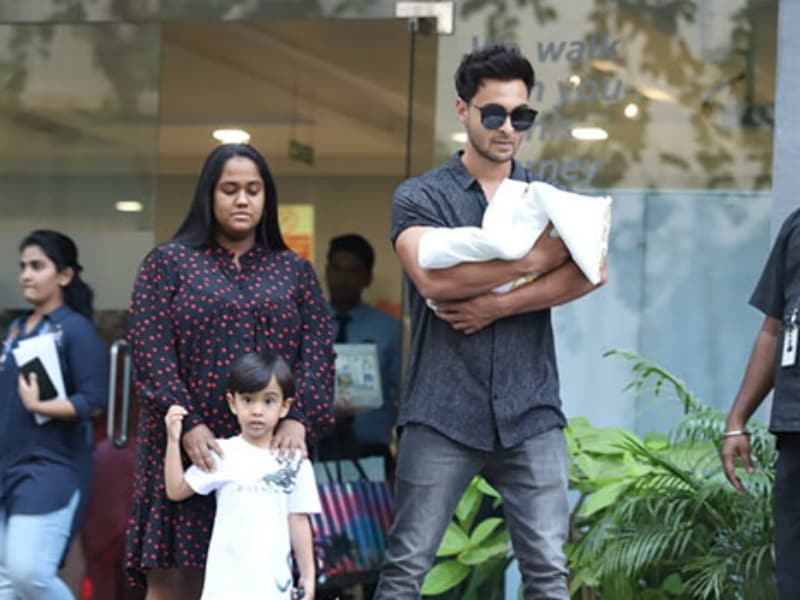 Arpita Khan Sharma And Aayush Take Baby Ayat Home