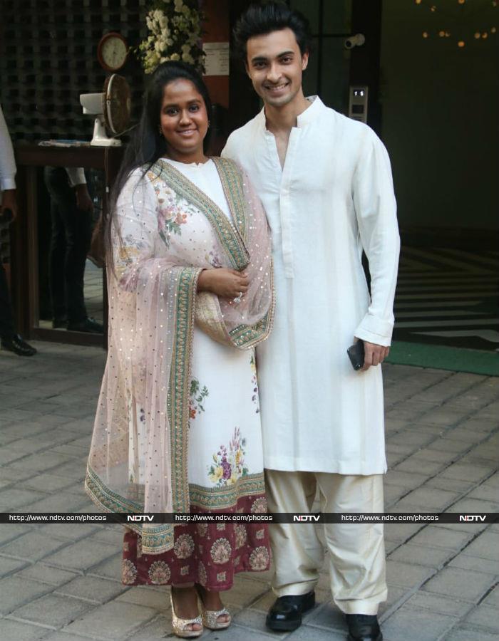 Arbaaz Takes Rumoured Girlfriend Giorgia Andriani To Arpita\'s Ganesh Chaturthi Puja