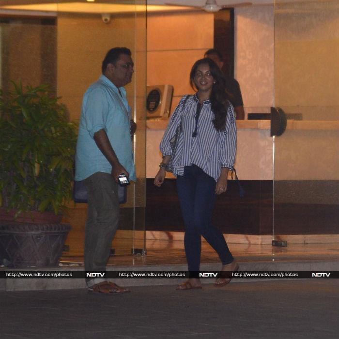 Tracking Salman Khan And Iulia Vantur\'s Whereabouts