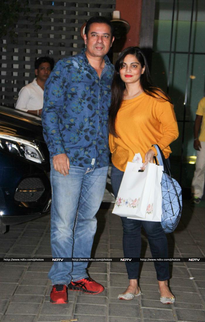 'टाइगर' सलमान खान ने 'गर्लफ्रेंड' के साथ मनाया Christmas