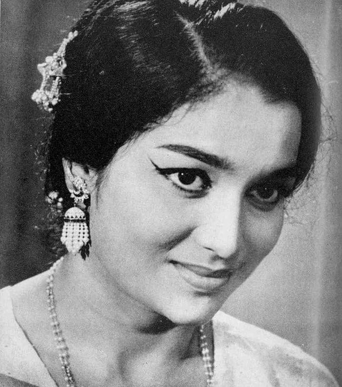 Asha Parekh turns 68
