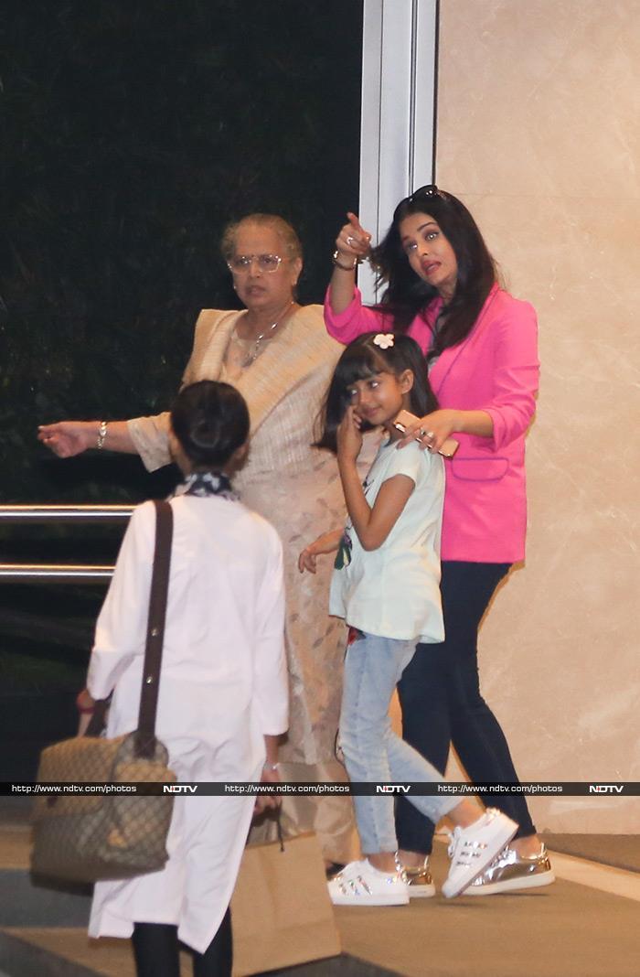Aishwarya\'s Dinner Date With Abhishek, Aaradhya And Mom Vrinda Rai