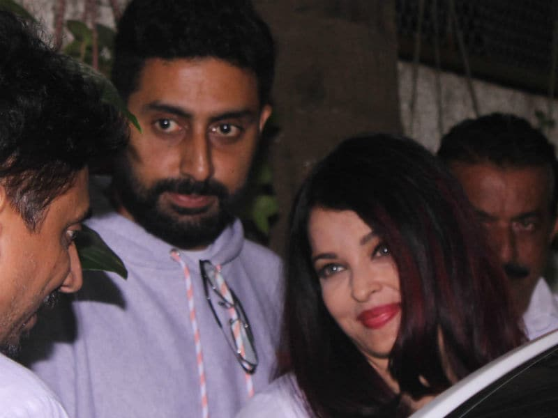 Aishwarya And Abhishek Watch 102 Not Out