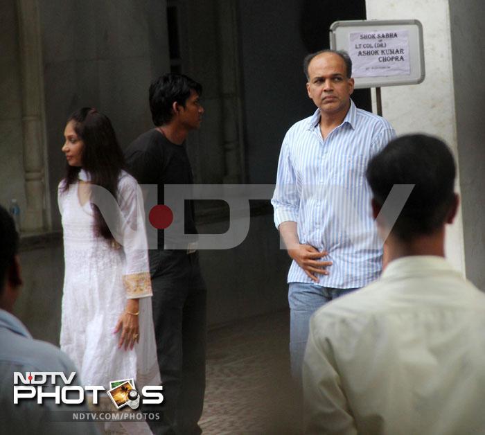 A final farewell to Priyanka\'s father