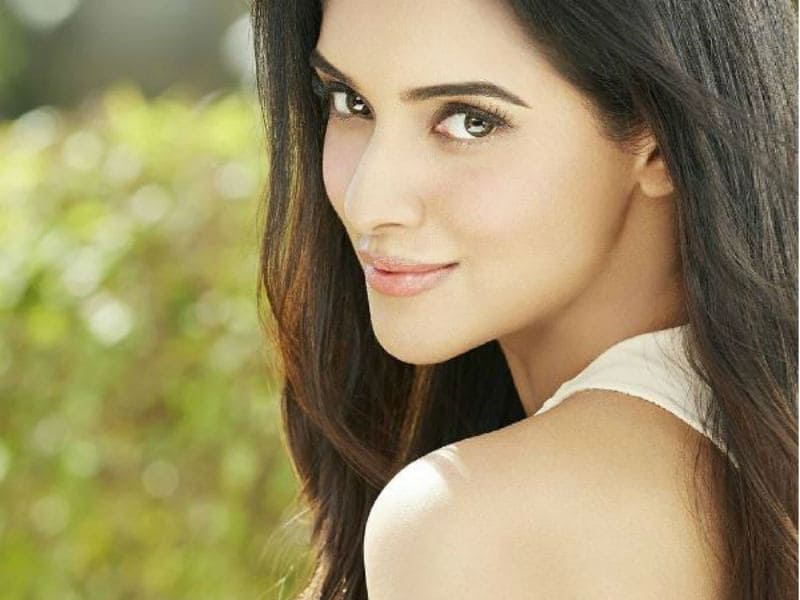 Photo : Simply.Asin @31. Our Warm Wishes on Her Birthday