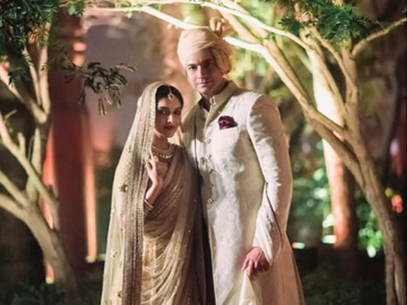 More Pics From Asin's Fairytale Wedding, With Love From the Bride