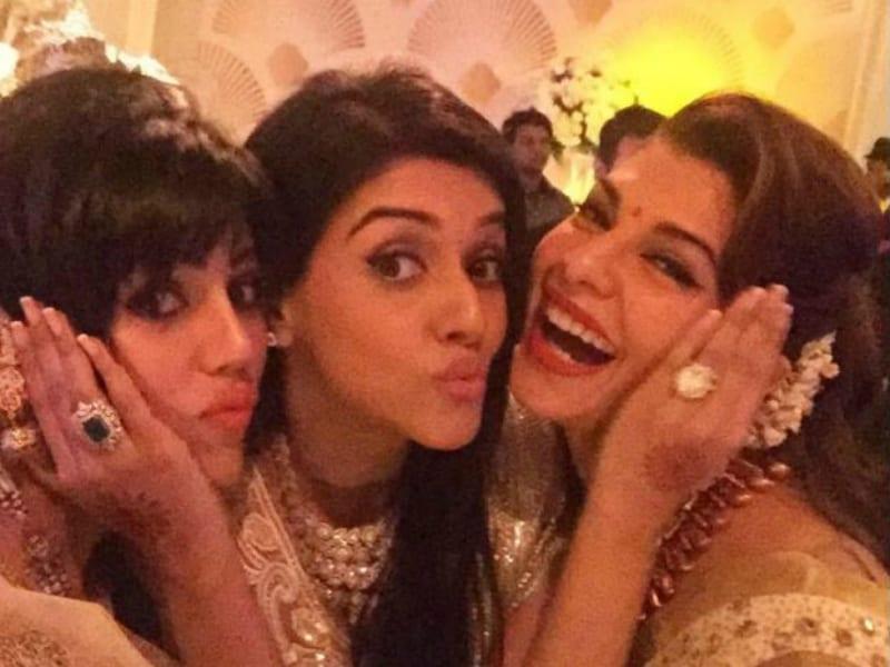 Sushmita, Shilpa, Jacqueline at Asin, Rahul's Mumbai Reception