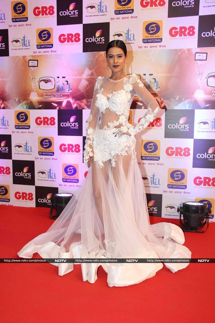 Bhaijaan\'s Munni Makes New Friends at Awards Night