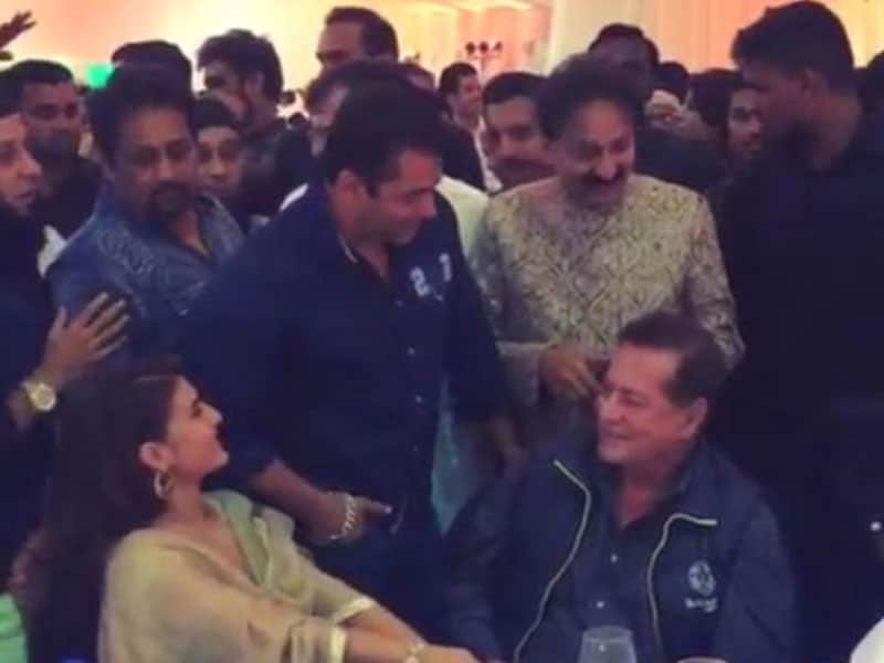 Inside Baba Siddique's Iftaar Party: Salman, Jacqueline and Arpita-Aayush