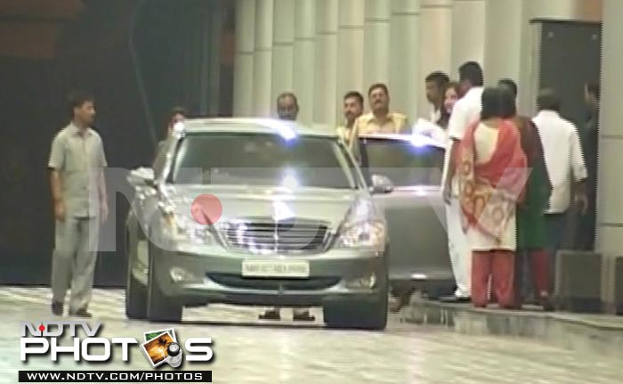Beti B\'s first public appearance