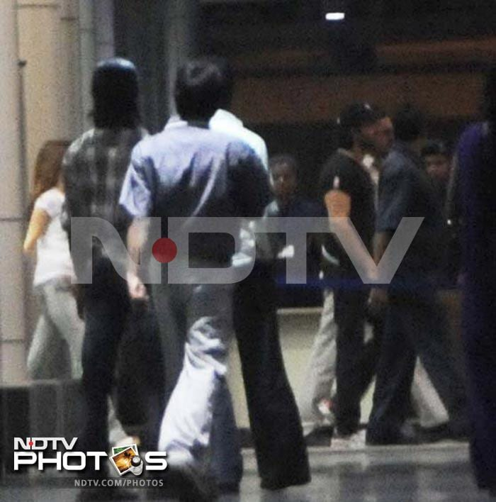 Sussanne, Hrithik visit Ash and Baby B