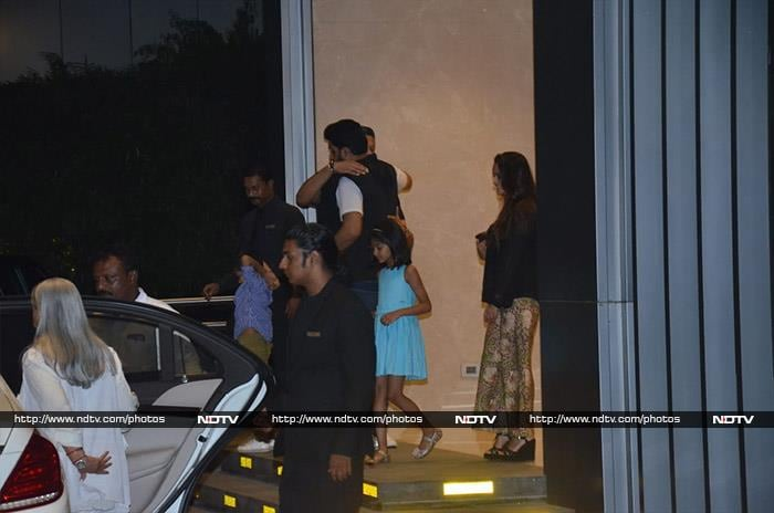 Aishwarya Rai, Abhishek, Aaradhya And Jaya Bachchan Dine Out