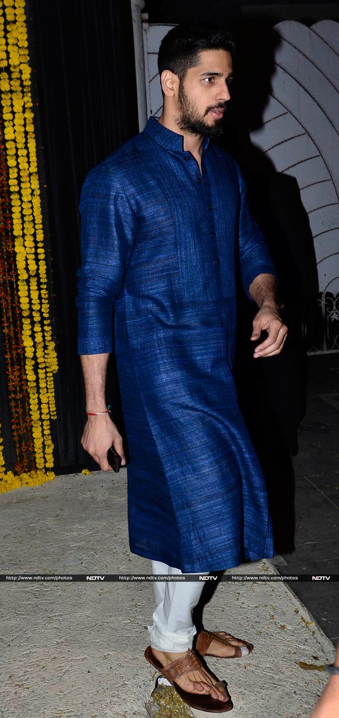 Sidharth Malhotra At Bachchans Diwali Party Veethi