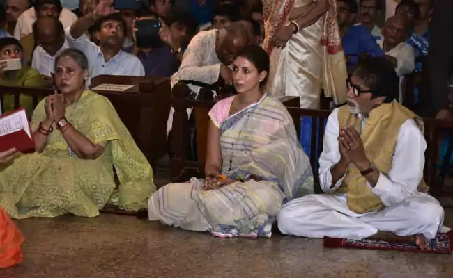 Throwback To Durga Puja Celebrations With The Bachchans