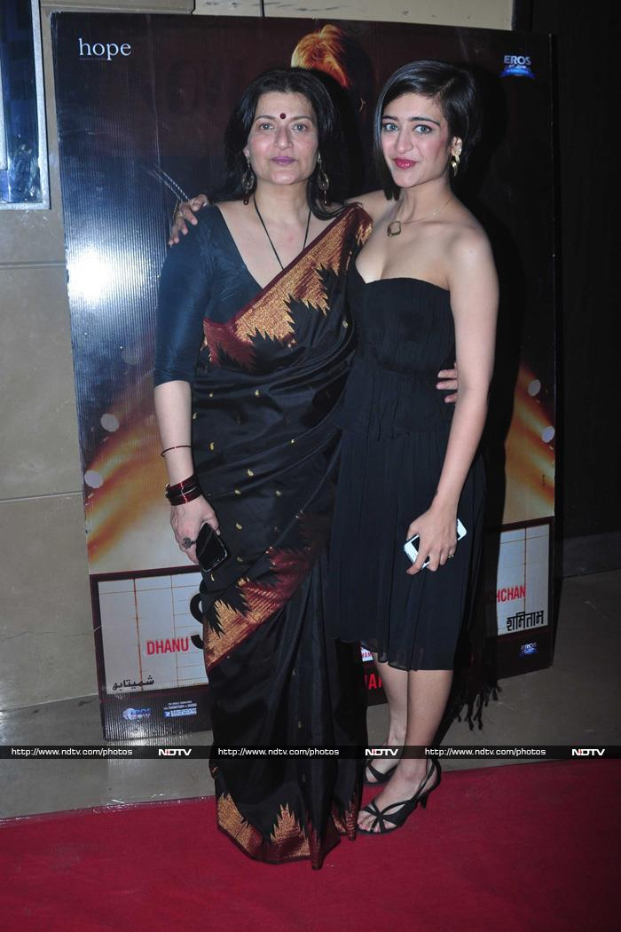 Bachchans, Akshara Glam-Up Shamitabh Screening