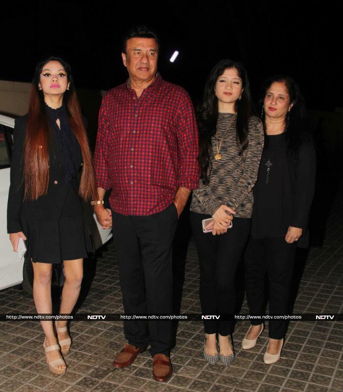 Alia Bhatt, Varun Dhawan, Jhanvi Kapoor Watch Badrinath Ki Dulhania