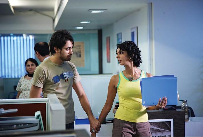 Quick look: Big B's bbuddah vs.  Aamir's belly