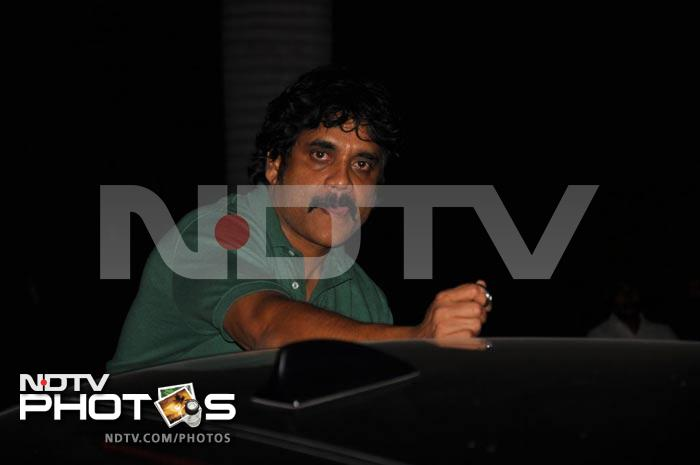 Nagarjuna watches son\'s film Bejawada