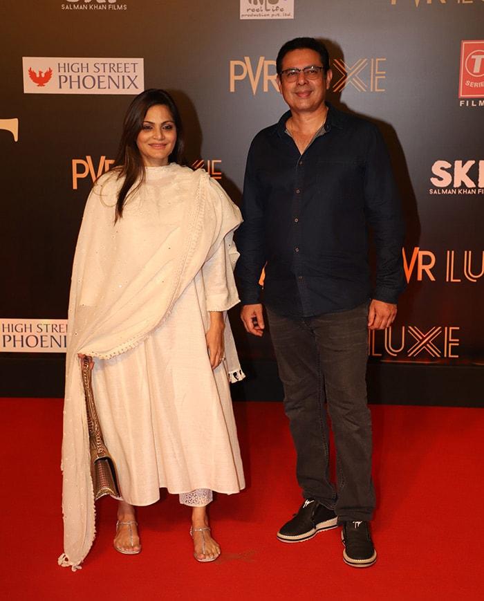 'भारत' के प्रीमियर पर कैटरीना, जाह्नवी, दिशा पटानी समेत नजर आए ये फिल्मी सितारे