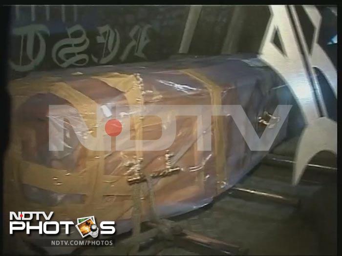 Hazarika\'s body taken to Assam; cremation tomorrow