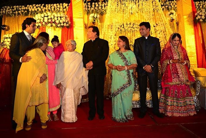 Aaradhya\'s wedding revelry with the Bachchans