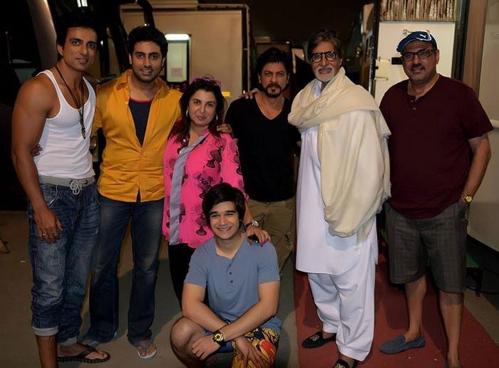 Big B, SRK\'s Happy New group
