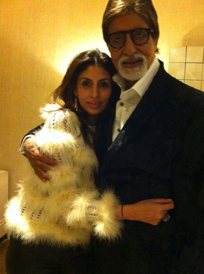 Big B\'s timeless moment with daughter