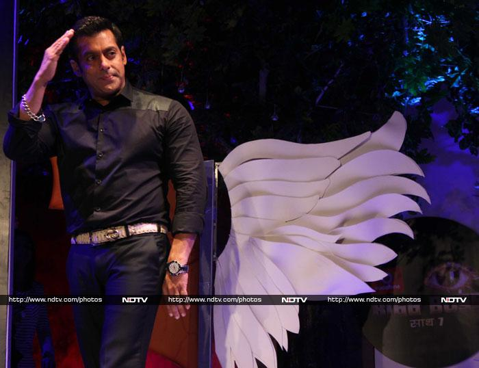 Angels & demons: Salman dances for Bigg Boss