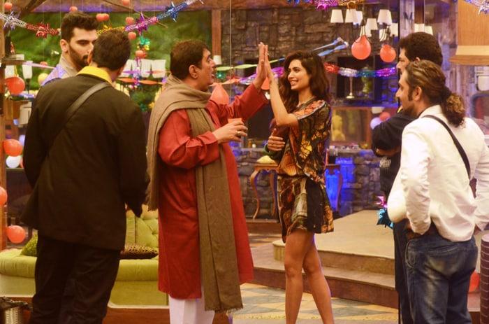 Inside the Bigg Boss Party: Kashmira, Sambhavna, Rahul Mahajan Make a Night of it