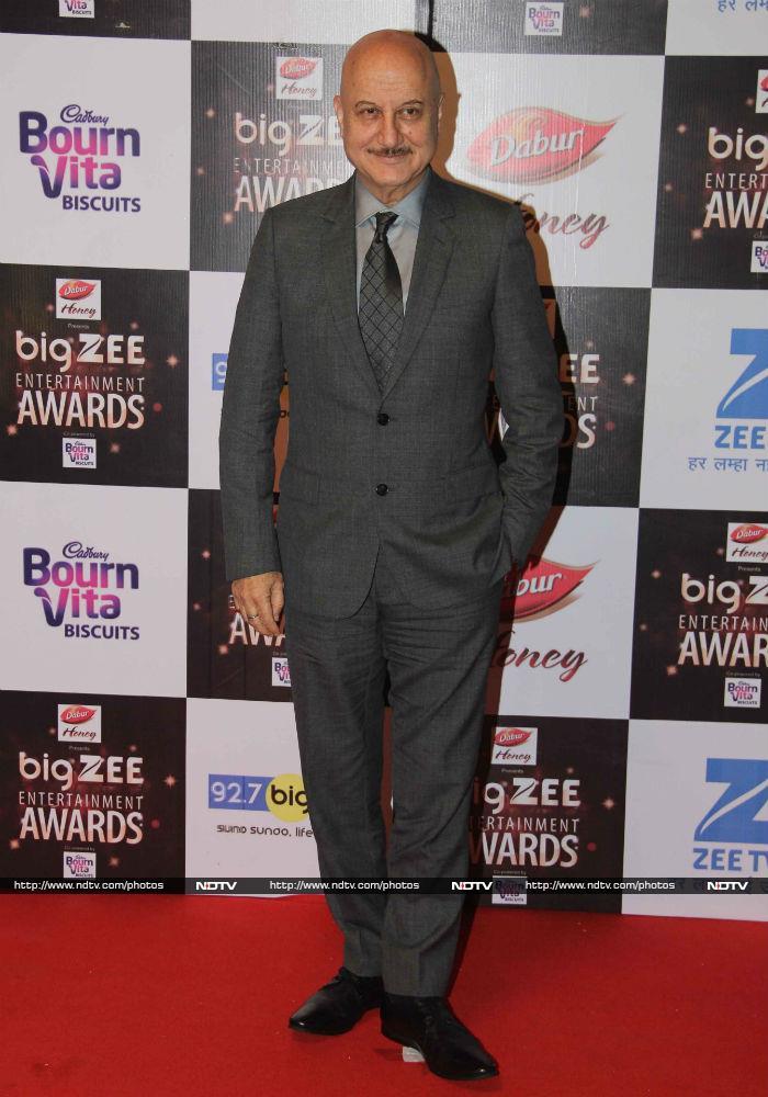 Alia Bhatt, Salman Khan At Big Zee Entertainment Awards Red Carpet