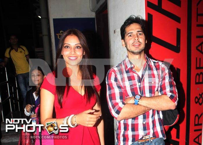 Bipasha\'s special date with ex-beau Dino Morea