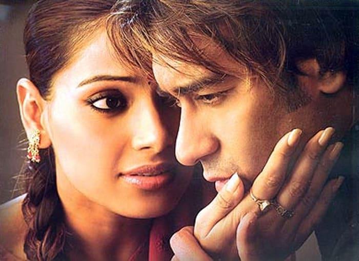 Happy Birthday Bipasha, Bollywood\'s Femme Fatale @37