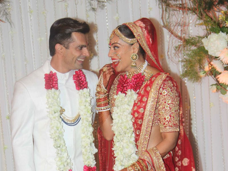 Just Married: Bipasha Basu and Karan Singh Grover