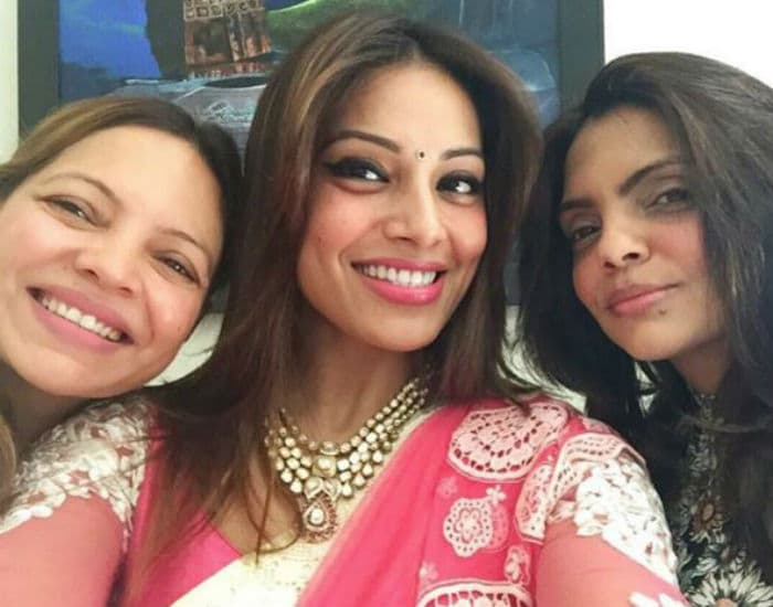 Bipasha and Karan Singh Grover\'s Wedding: Starting With the Puja