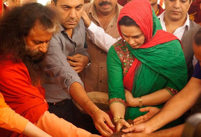 Preity prays at Kumbh Mela