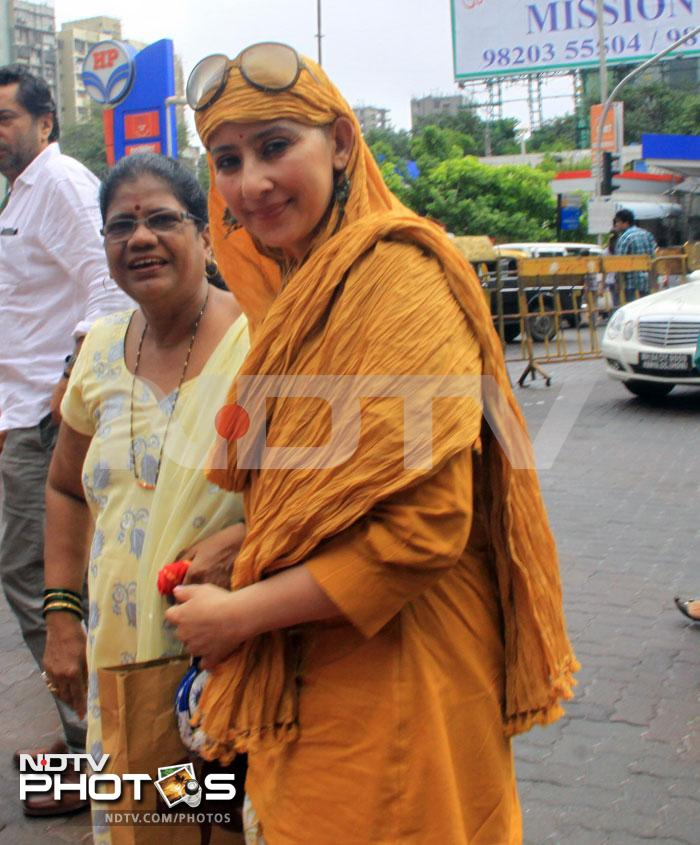 Cancer-free Manisha\'s first outing in India