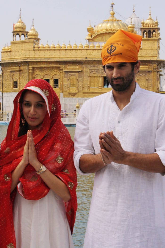 Shraddha, Aditya pray at the Golden Temple