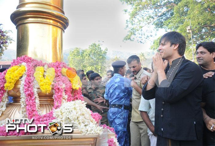 Vivek Oberoi prays at Sabarimala