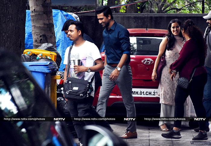 Ananya Panday, Shanaya Kapoor, Kartik Aaryan Are Busy Celebs