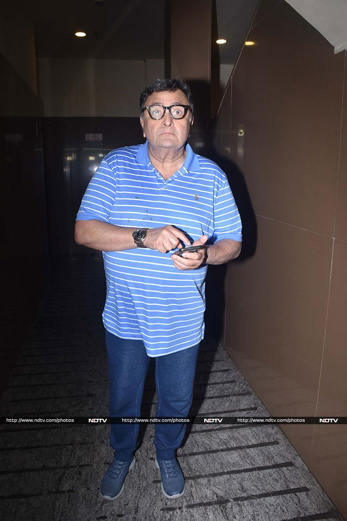 Akshay Kumar-Nitara And Neil Nitin Mukesh-Nurvi\'s Father-Daughter Movie Night