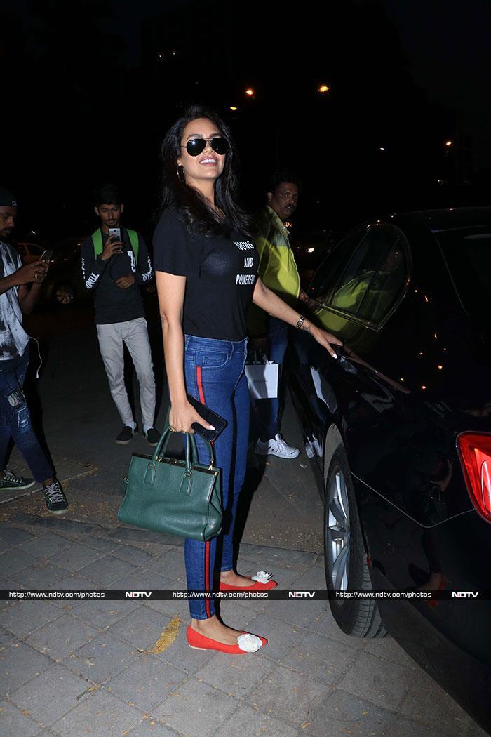 Keeping Up With Bollywood: Shah Rukh, Shahid-Mira, Kareena\'s Mid-Week Outings