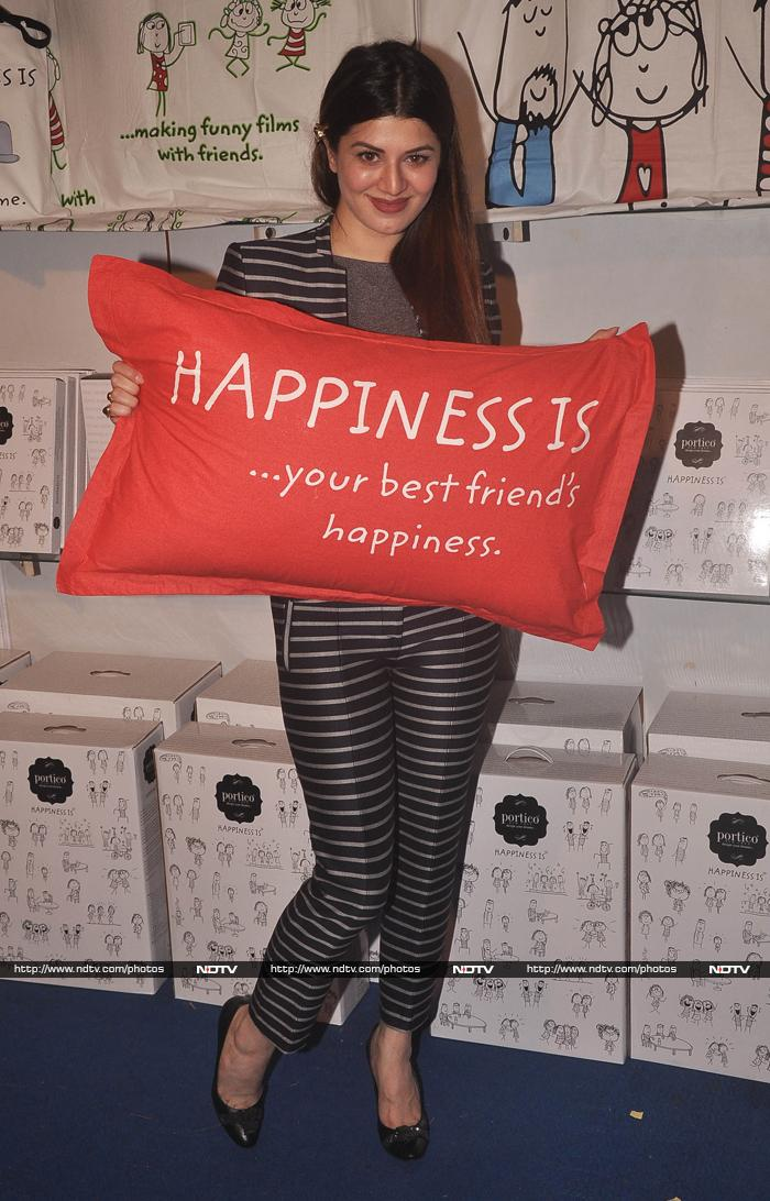 Hrithik Roshan Is In a Celebratory Mood, Kainaat\'s a Shopaholic