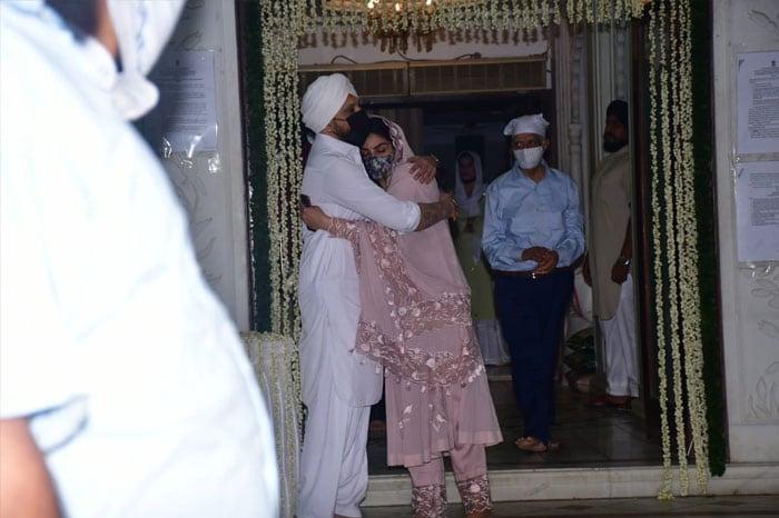 Abhishek Bachchan, Raveena Tandon At Bunty Walia\'s Father\'s Chautha