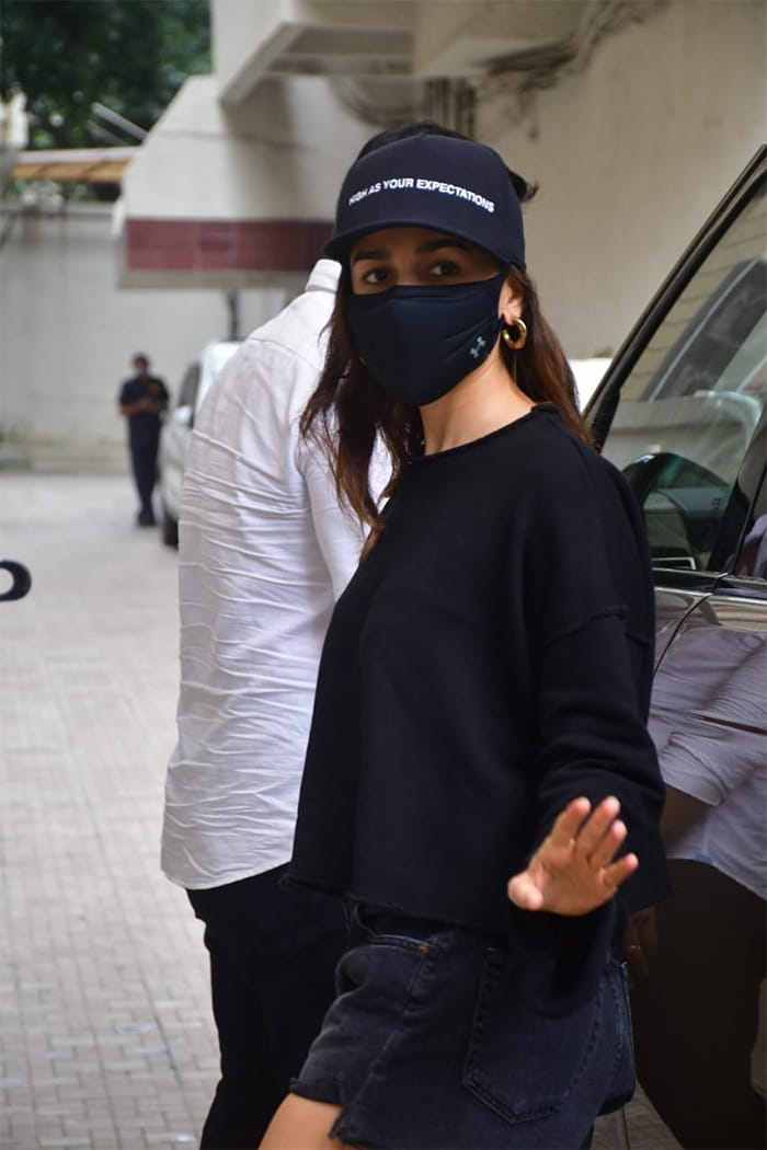 Busy Bee Alia Bhatt Never Misses An Appointment With Style