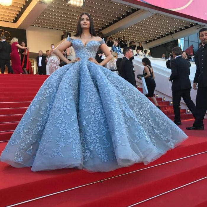 Aishwarya Rai Bachchan Steals The Spotlight On Cannes Red Carpet