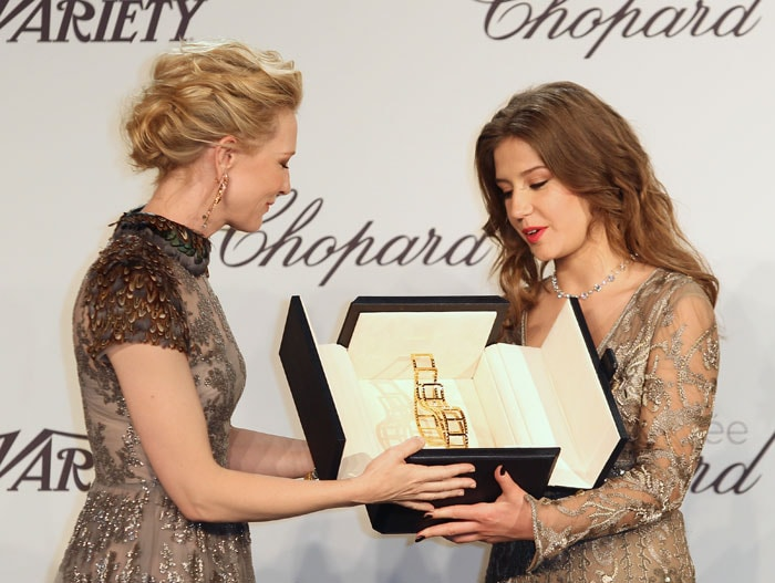 Ooh, Shiny: Blake, Zoe, Cate Glitter in Cannes