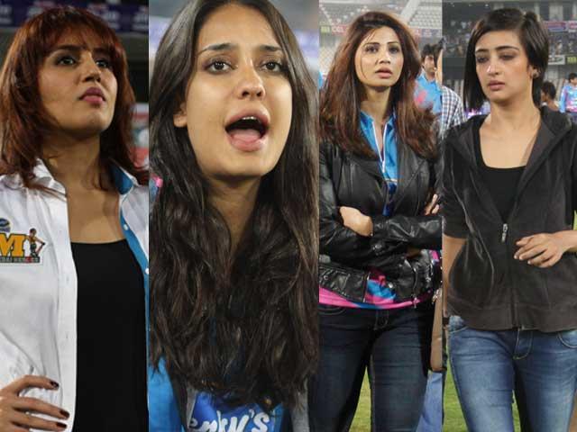 Huma, Lisa, Daisy, Akshara's Field Day
